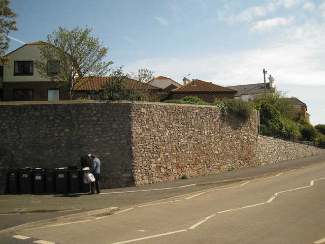 Retaining wall, Brook Street
