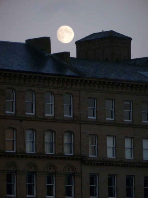 Bradford: full moon over Well Street