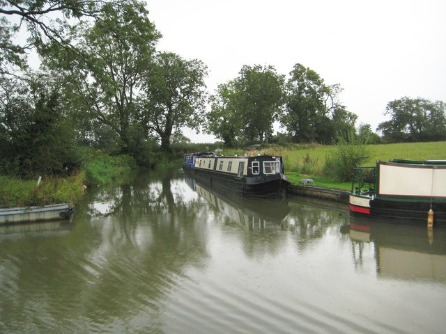 Oxford Canal: Abandoned original 1770s loop near Clifton upon Dunsmore