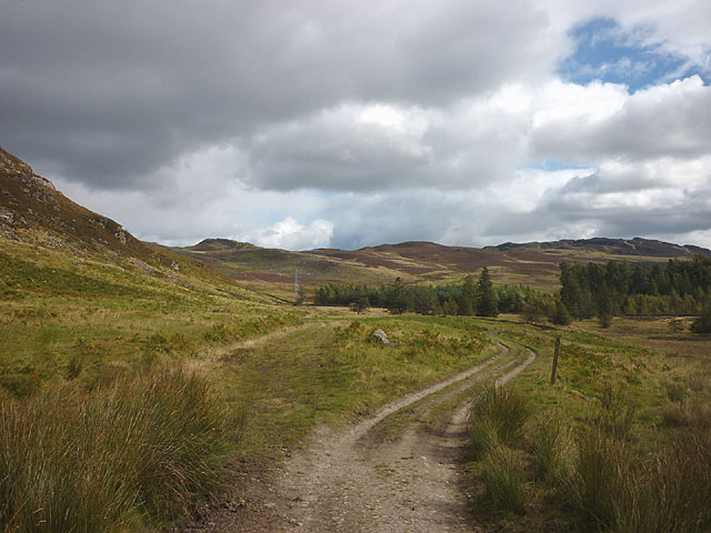 Track junction east of Loch Ordie