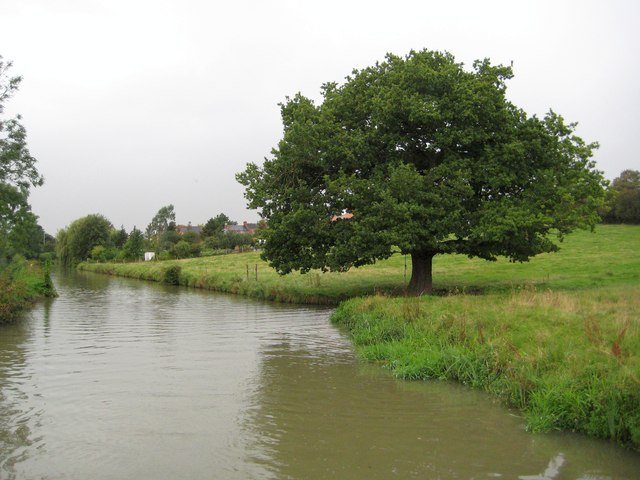Oxford Canal: Reach in Clifton upon Dunsmore