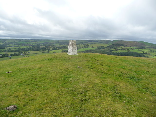 Moel Bentyrch trig point looking westwards