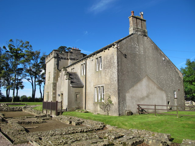 "Birdoswald (Banna) Roman fort and ""modern"" farmhouse (2)"