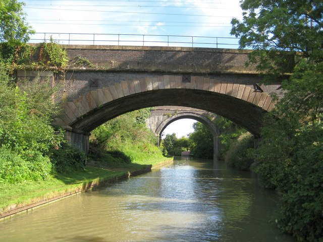 Oxford Canal: Southern Hillmorton railway bridge