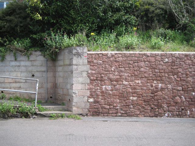 Twentieth-century retaining walls, Lower Brimley