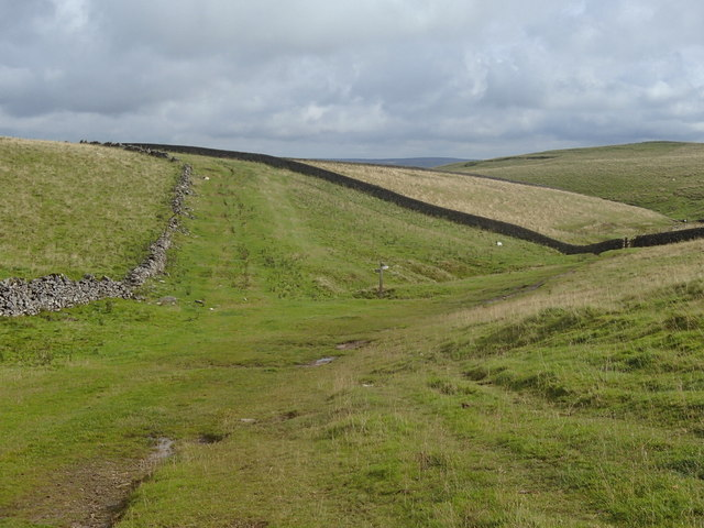 Limestone grassland above Cave Dale