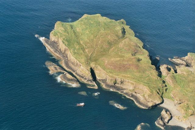 Staffa: aerial 2007
