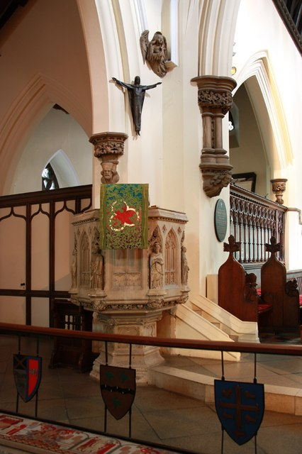 St Edward the Confessor, Market Place, Romford - Pulpit
