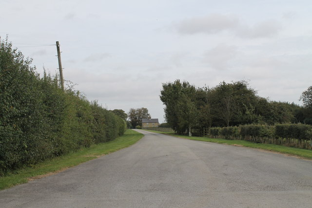 Road to Lodge Farm
