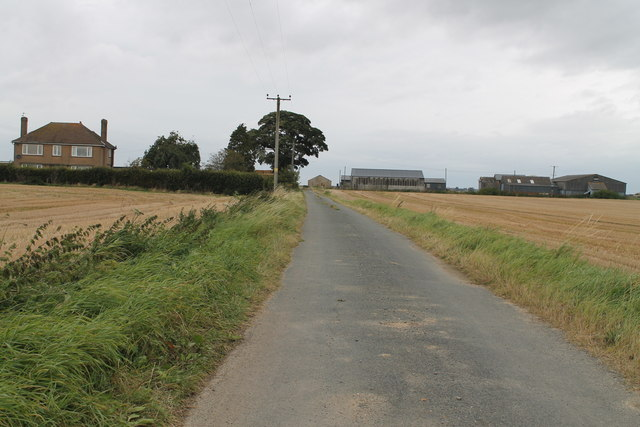 Ullyatts Drove, towards Ullyatts Farm
