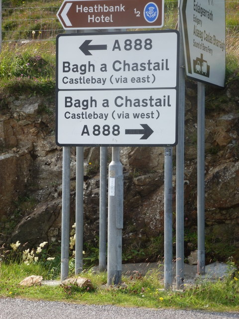 Northbay: signage on the A888