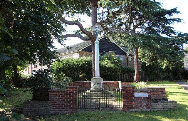 St Andrew, St Andrews Road, Romford - War Memorial