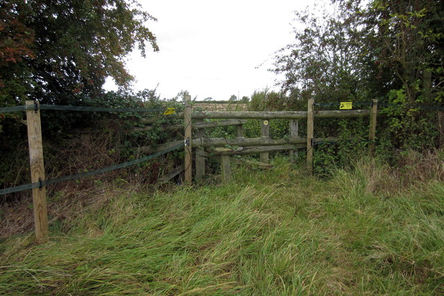 Stile on the path to Thornborough Mill