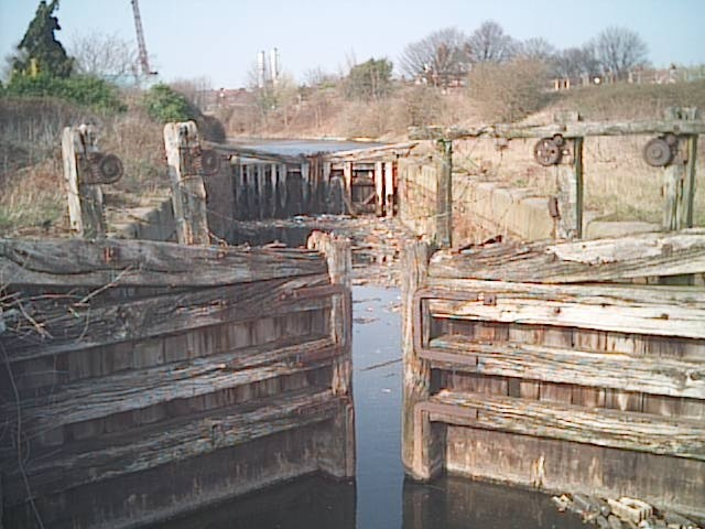 Entrance to the old Runcorn and Weston Canal