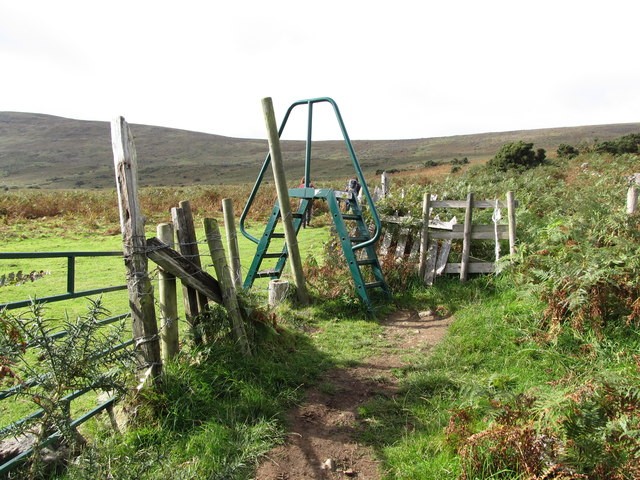 Stile on the Commons Loop Path leading on the open common