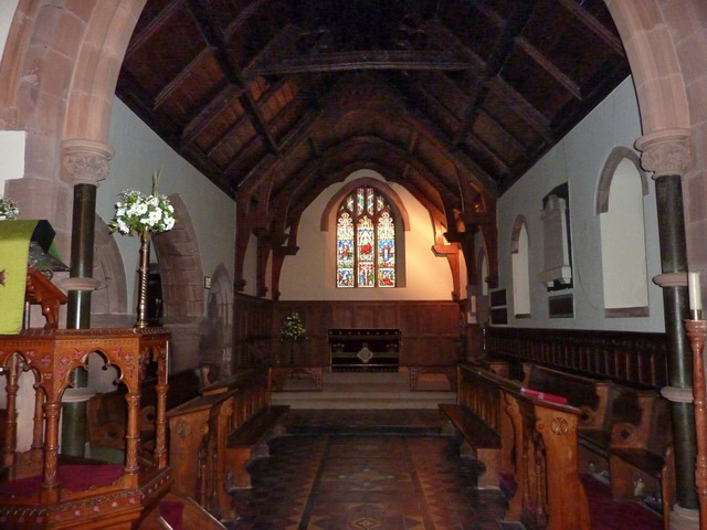 St Paul's Church, Irton, Interior