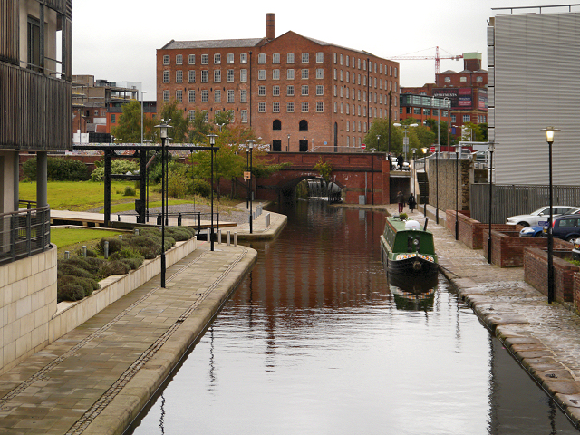 Rochdale Canal, Piccadilly