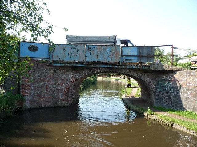 Limekiln Bridge, no 17 on the Staffs and Worcs canal