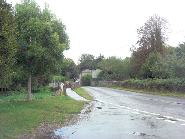 Pook Lane bridge over the River Levant