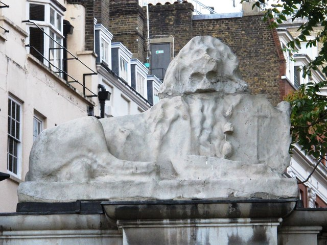 Lion on Watergate, Victoria Embankment Gardens (2)