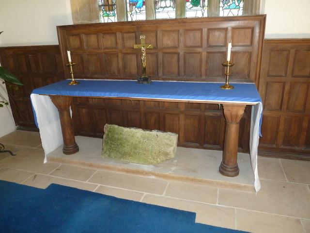Holy Trinity, Godmanstone: main altar