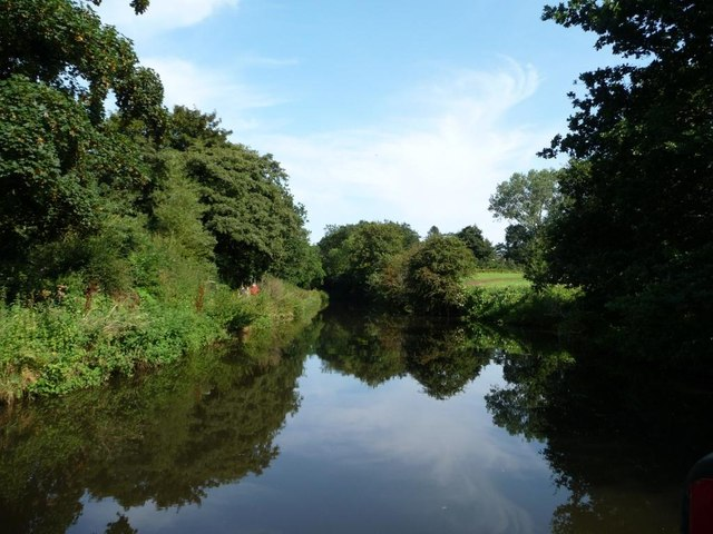 The Staffs and Worcs canal