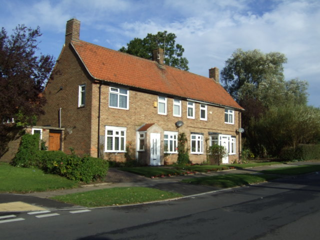 Houses on Thornton Road, West Hill