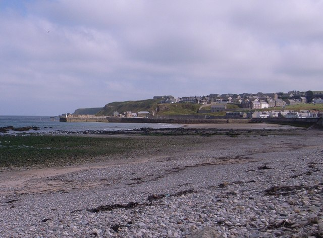 On the shingle beach at Cullen Bay
