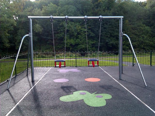 Swings for young children, Lovers Retreat