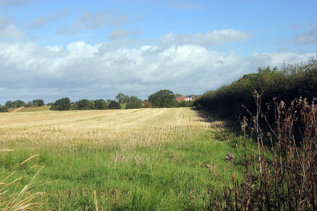 Across the fields to Glevehouse Farm