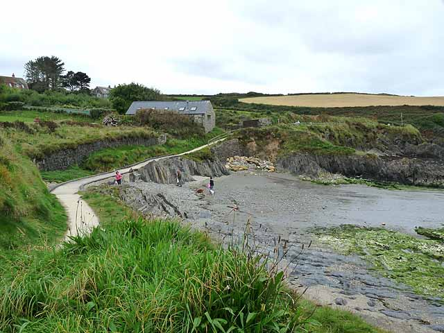 Pembrokeshire Coast Path at Parrog