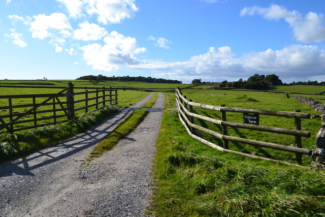 Entrance to Highlow Farm