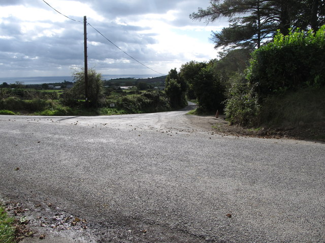 Cross roads on the minor road linking Windy Gap and Seecrin
