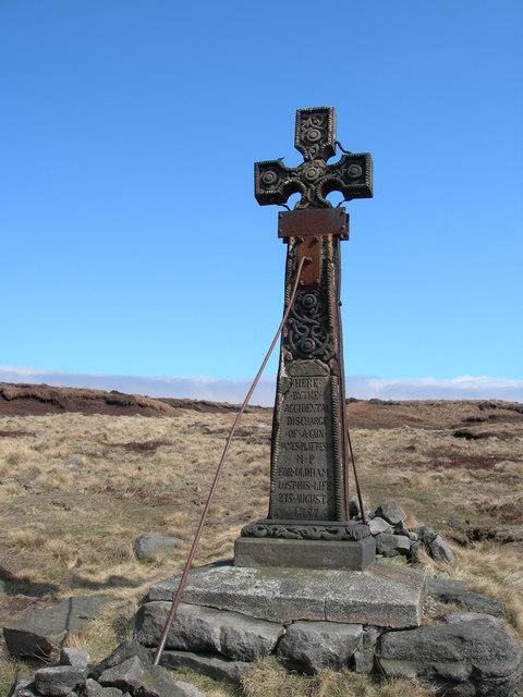 Memorial Cross (1)