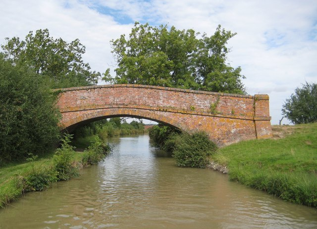 Oxford Canal: Bridge Number 82: Rowdyke Bridge