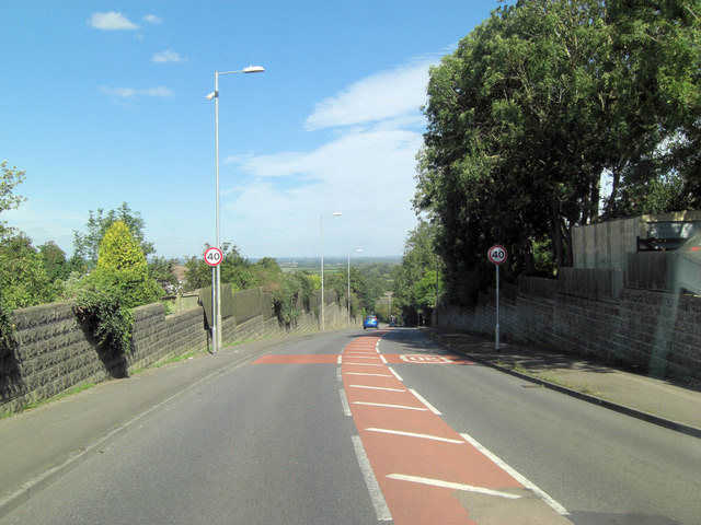 A361 (Lechlade Road) descends into the Thames Valley