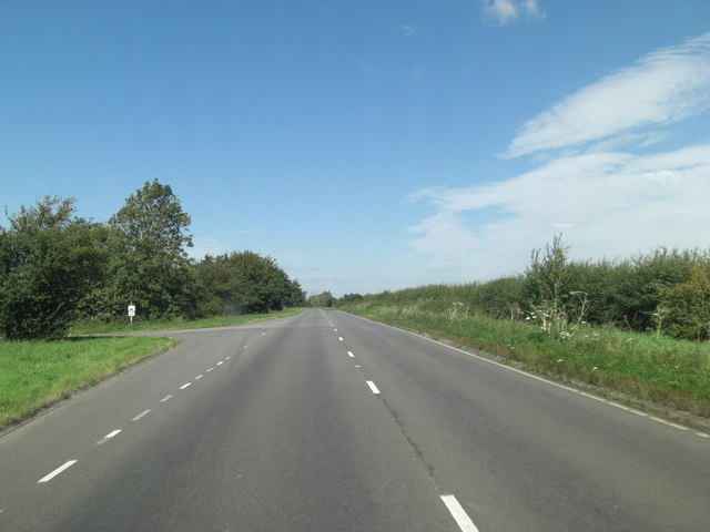 A361 (Lechlade Road) passes access road to Crouch Farm