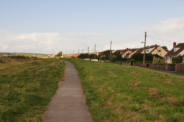 Kewstoke : Beach Road Footpath