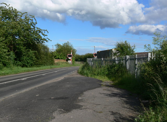 Level crossing on Station Lane