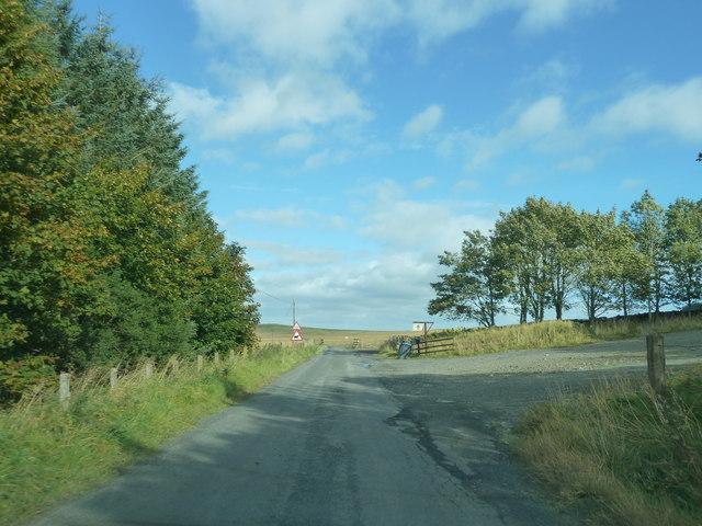 Minor road near Earlside