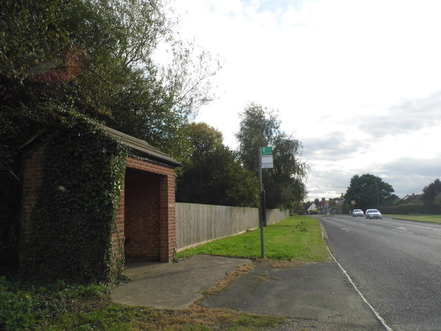 Bus stop on Bells Hill, Stoke Poges
