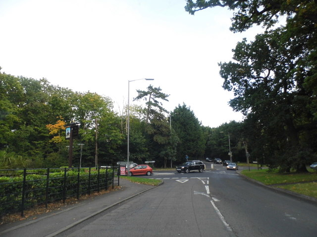 Slough Road at the junction of Bangors Road North