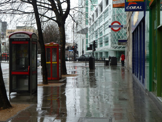 A wet day in London Town