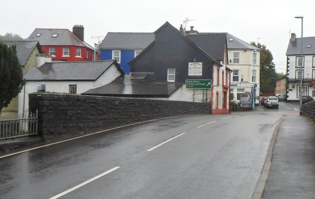 Across Pont rhyd-y-fferau, Llanwrtyd Wells