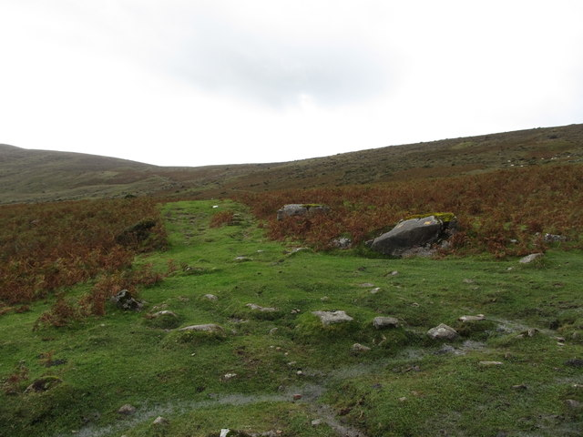 View south along the upper section of the Tain Way