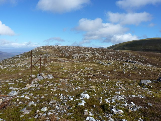 Fence on the east ridge of Meall Garbh