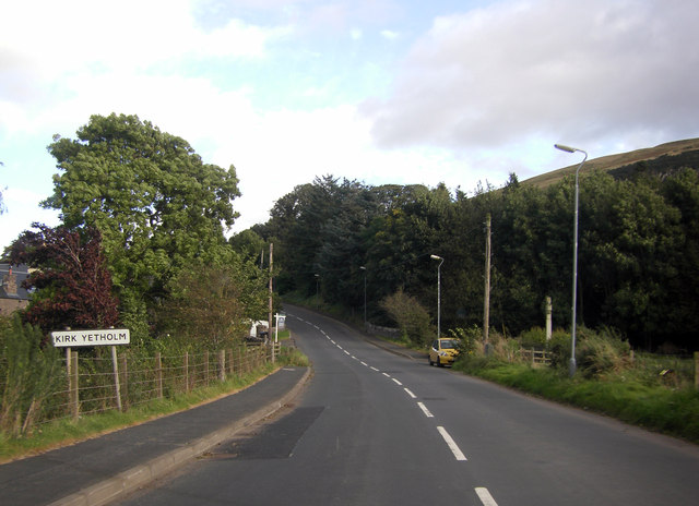 Dow Brae entering Kirk Yetholm