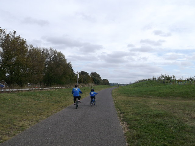 Footpath/cyclepath on the roman road