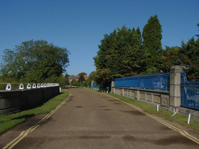 Thameside, Penton Hook