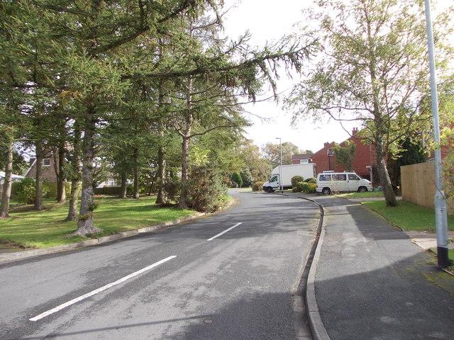 Sunningdale Green - Sunningdale Walk